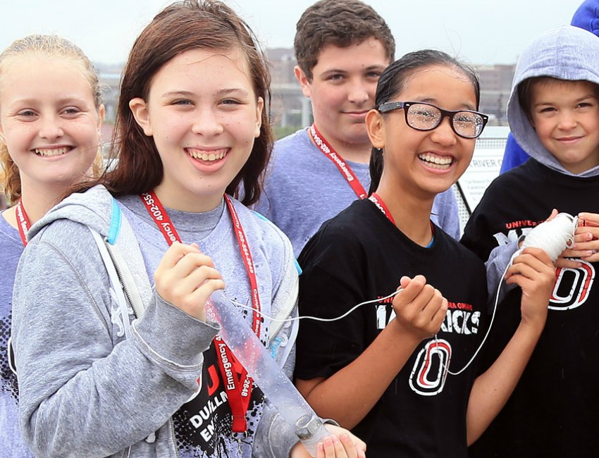 Illinois HS Students Visit UNO for Science Collaboration