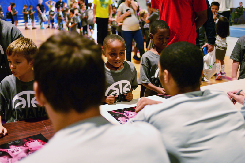 UNO Holds Basketball Clinic for Military Children