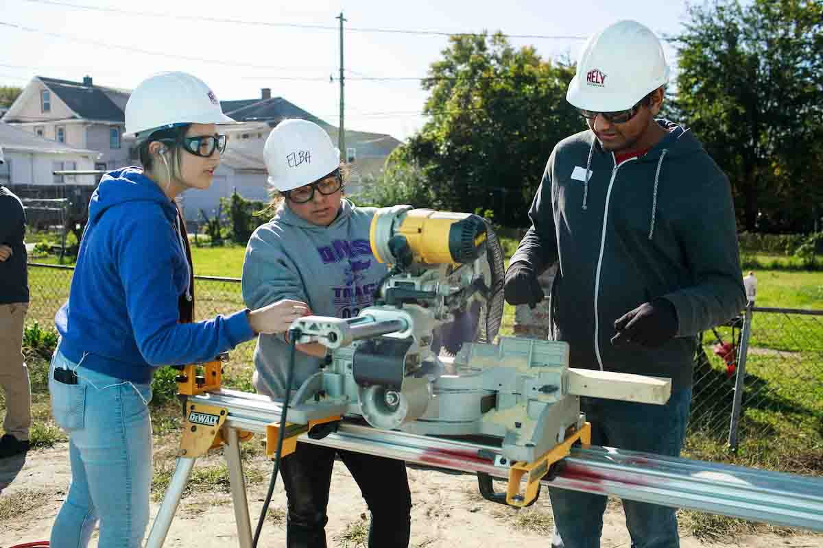UNO Students Give Back At Three Days Of Service