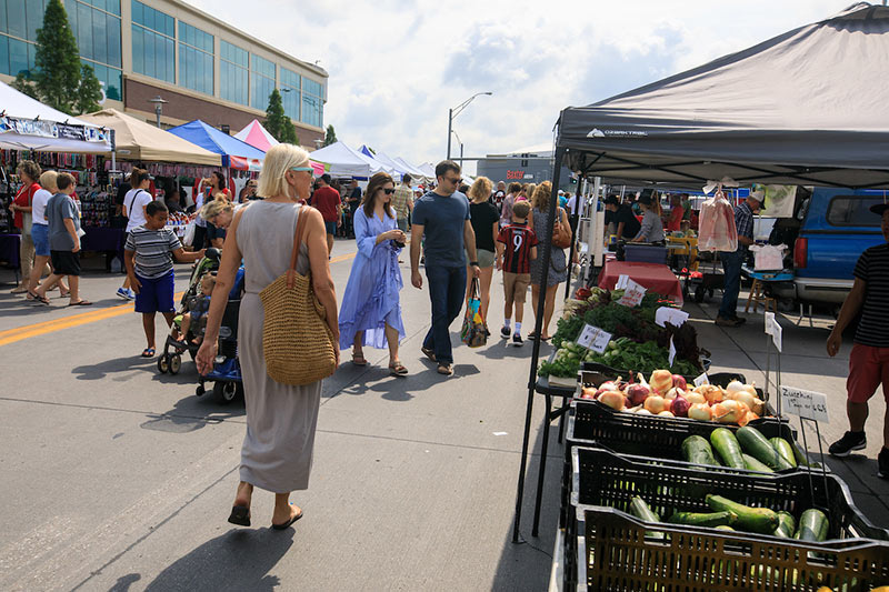 Omaha Farmers Market in Aksarben Village