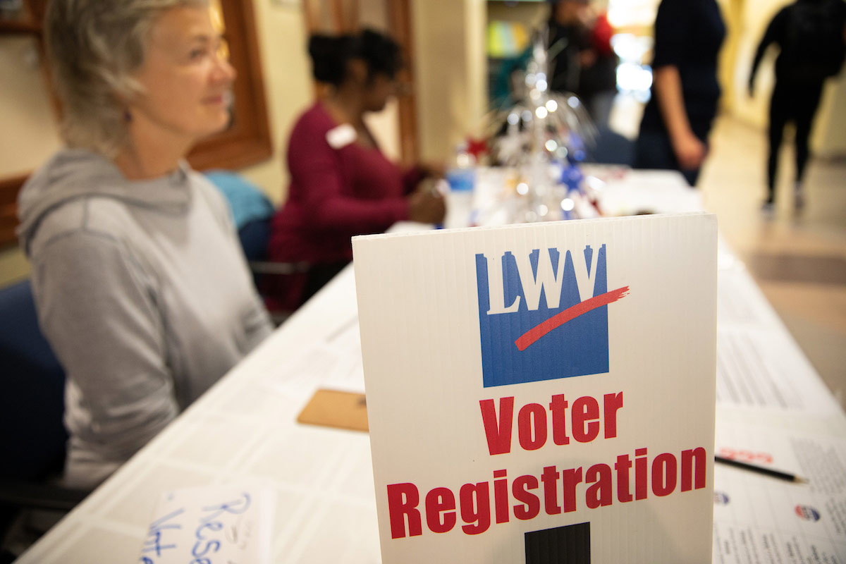 League of Women Voters registers students to vote